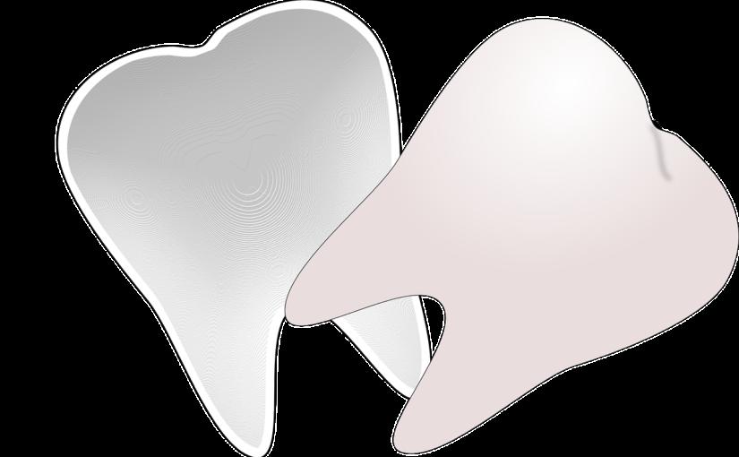 Piękne nienaganne zęby dodatkowo doskonały przepiękny uśmiech to powód do płenego uśmiechu.